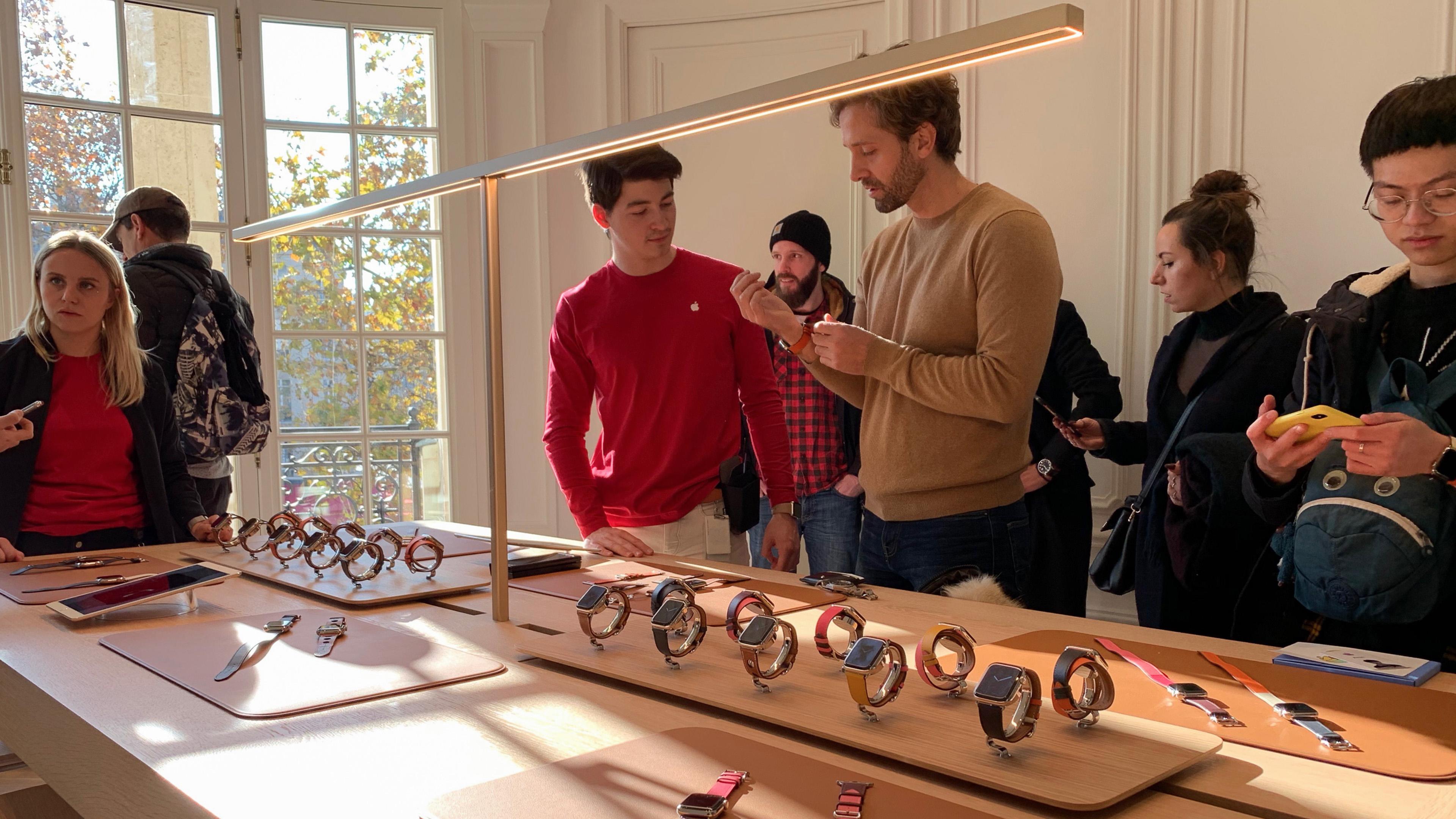 Gallery: Apple Champs-Élysées makes a grand debut in Paris