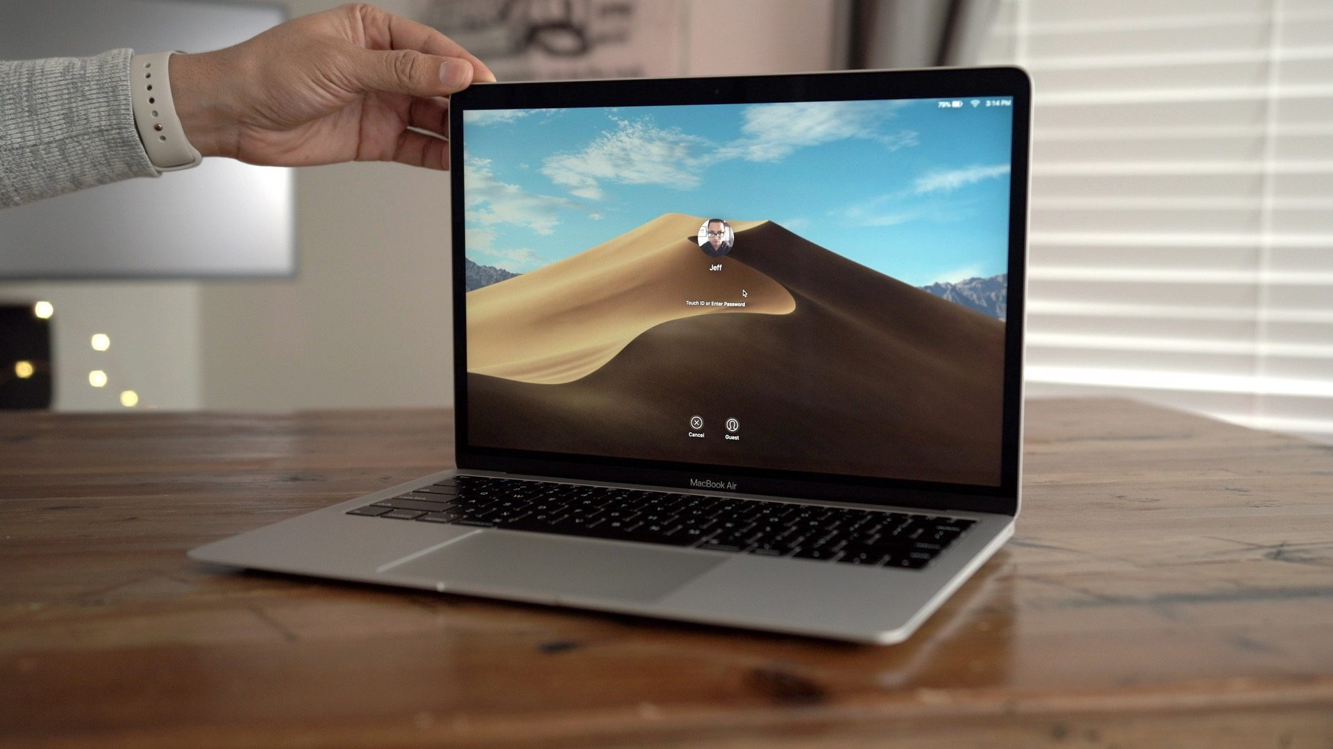 9to5Rewards: Win Apple's new MacBook Air from Setapp & 9to5Mac [Giveaway]