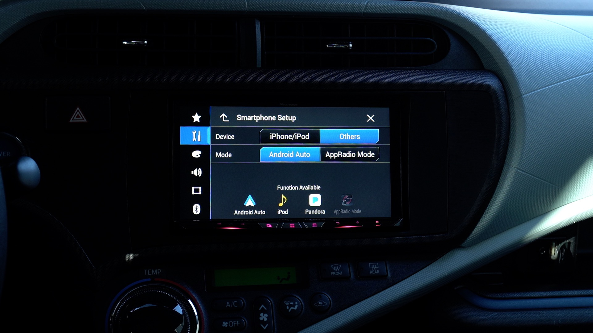 Hands-on: Pioneer's W8400NEX wireless CarPlay head unit is fast and