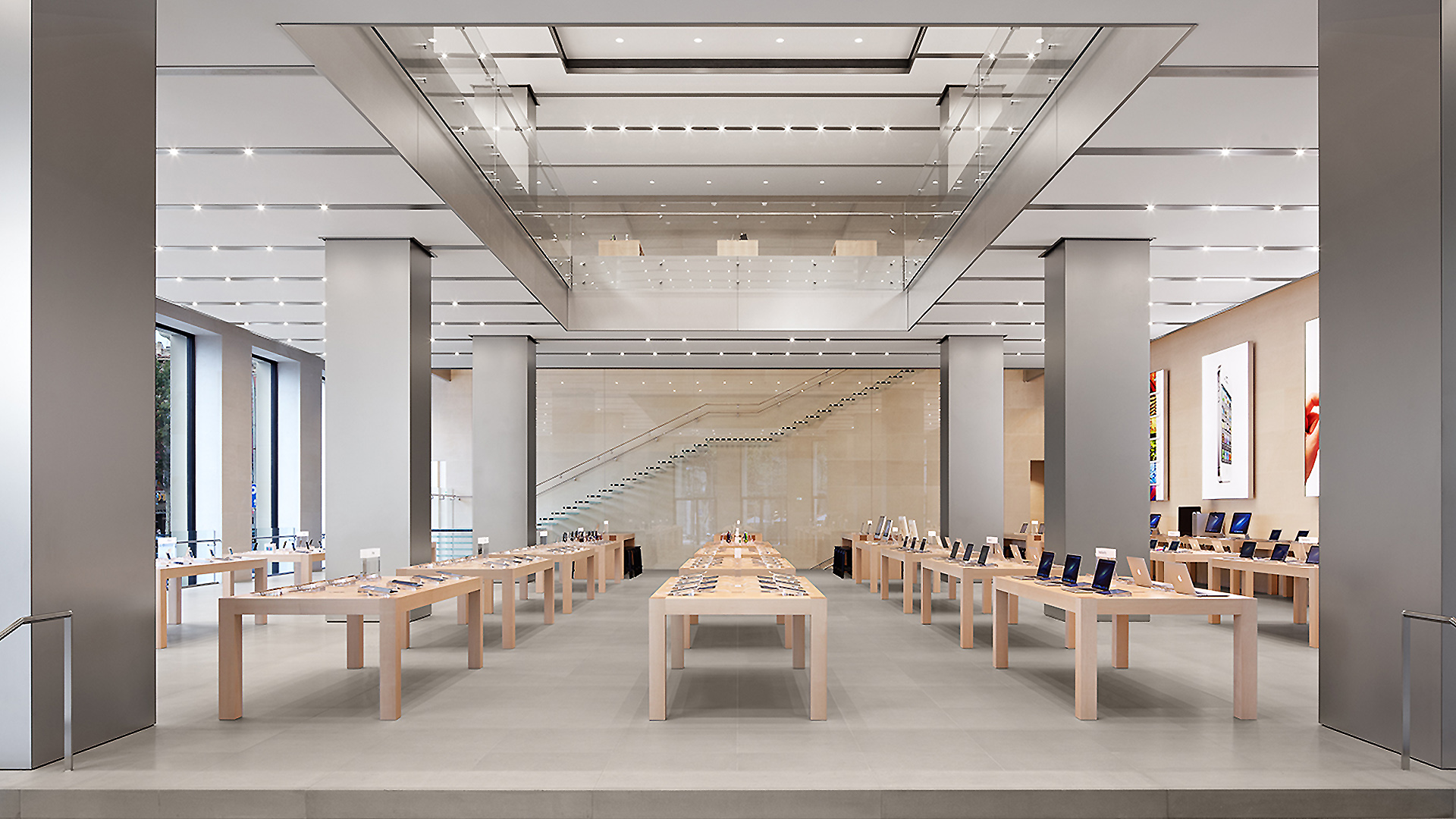 Passeig de Gràcia Apple Store temporarily closing February 10th, Video Wall and Forum likely on the way