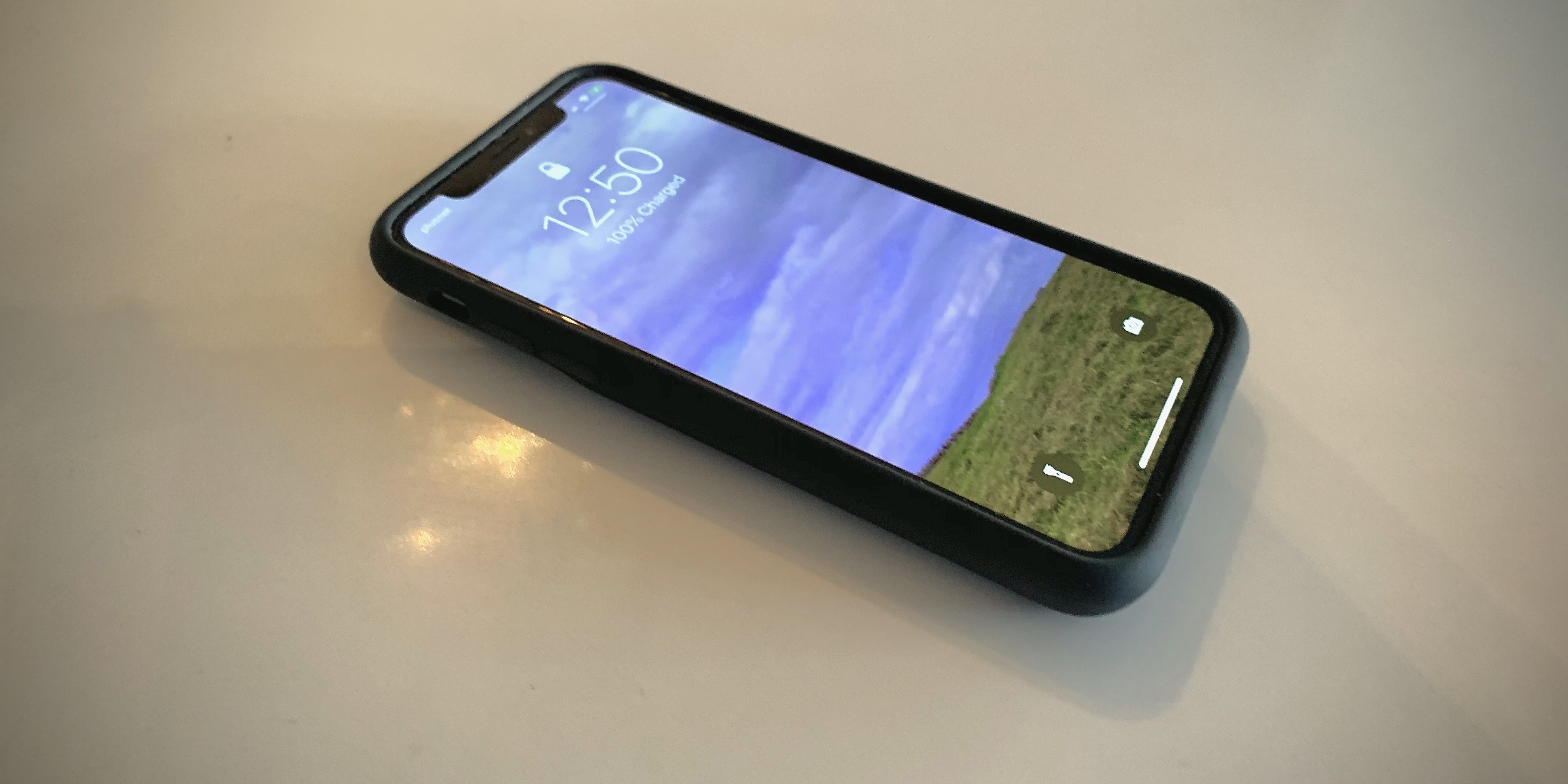 Hands On Using An Iphone Smart Battery Case For The First Time 9to5mac