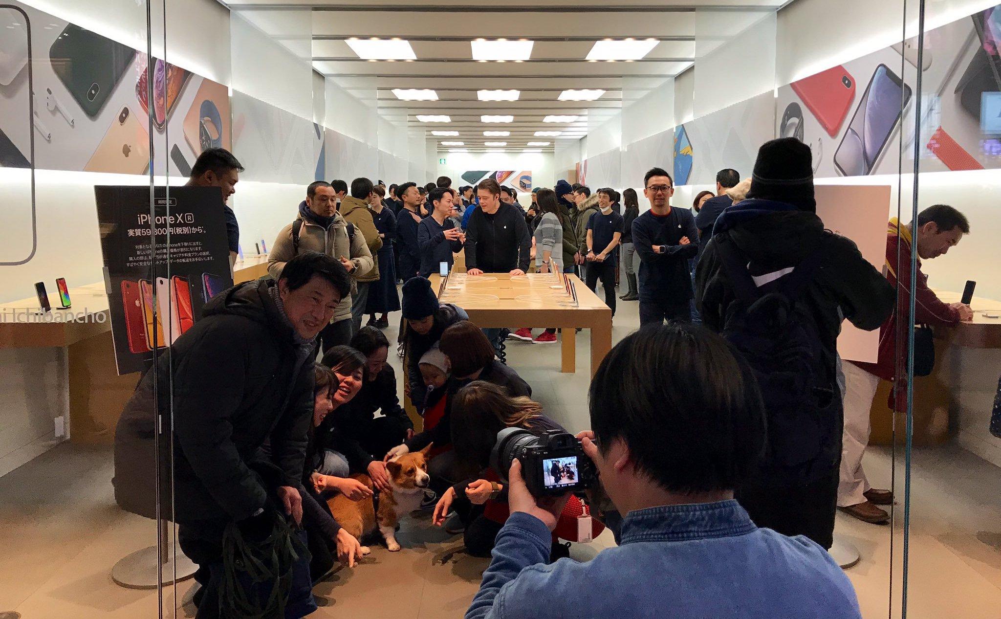 全球最小规模的 Apple Store(日本仙台) 在粉丝的见证下最终关闭
