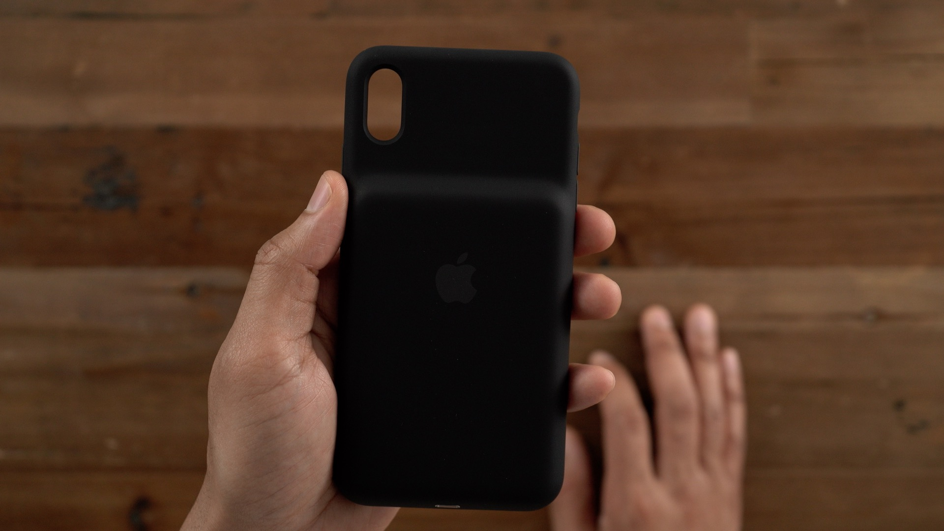 the latest e8d9d 456ee Apple Smart Battery Case Review: iPhone XS/Max & XR design, wireless ...