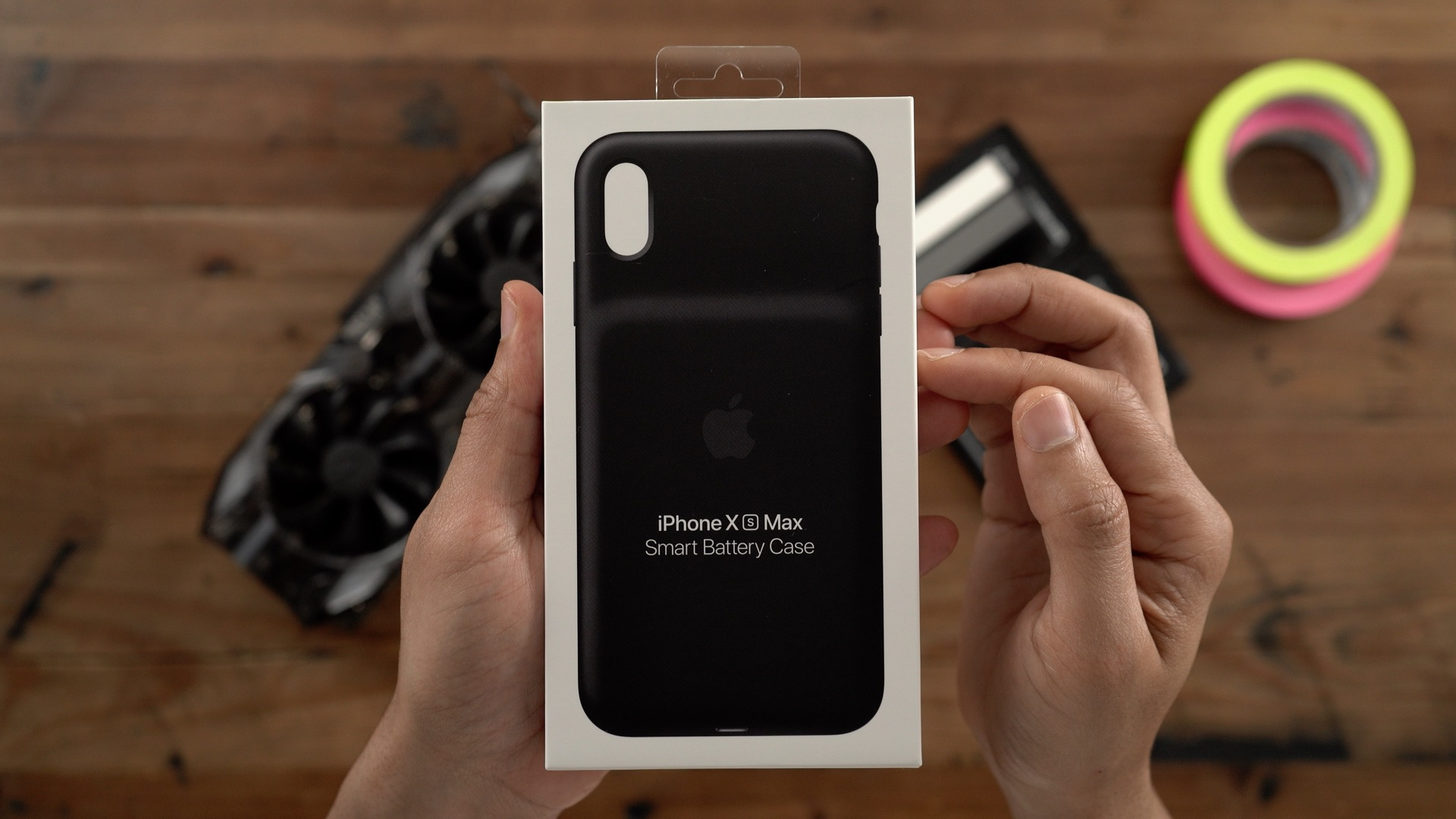 Apple Smart Battery Case Review: iPhone XS/Max & XR design, wireless  charging, still bulky [Video] - 9to5Mac