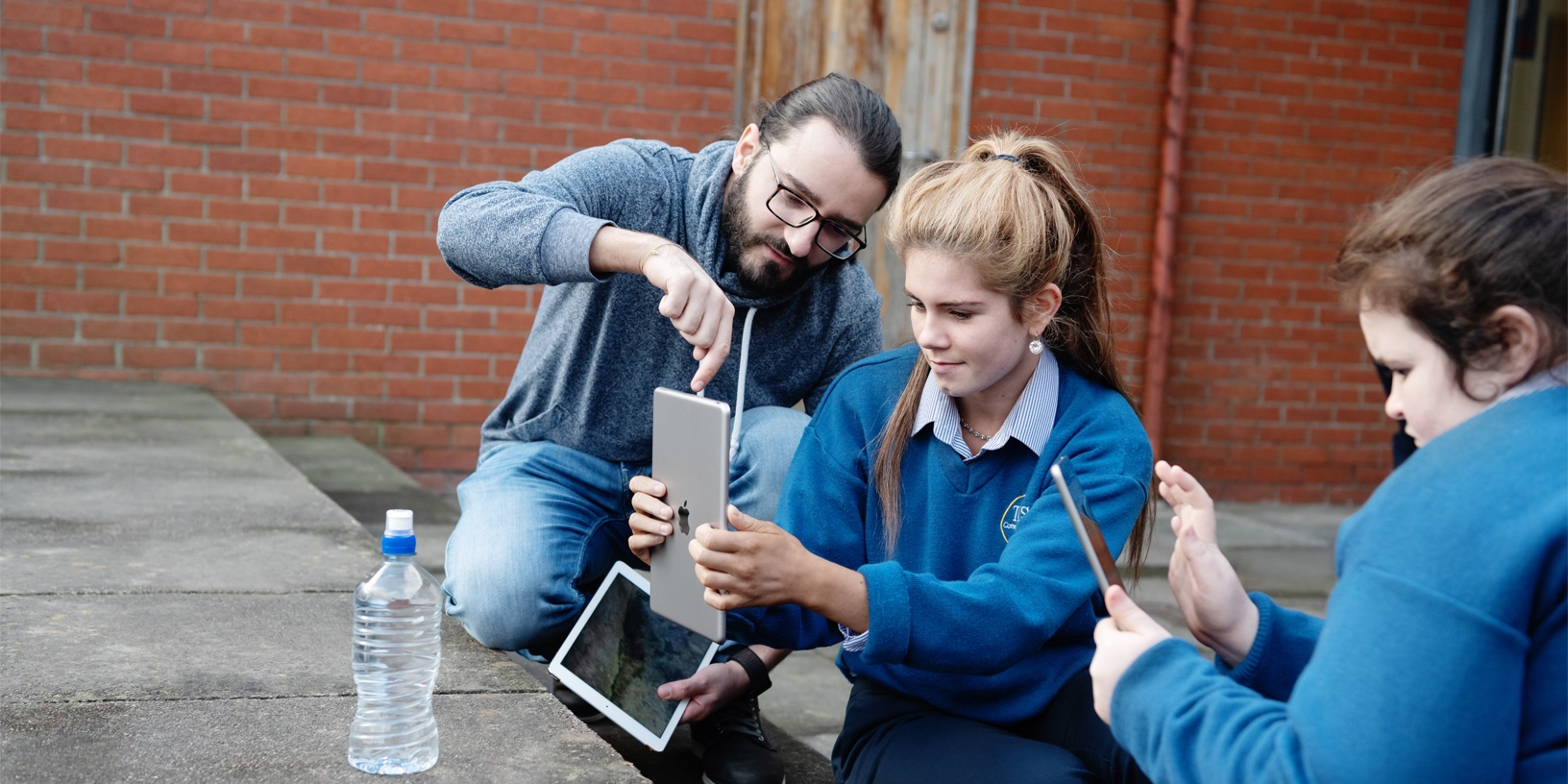 Apple's employee charitable giving program topped $125 million in 2018 donations, Apple highlights volunteering efforts