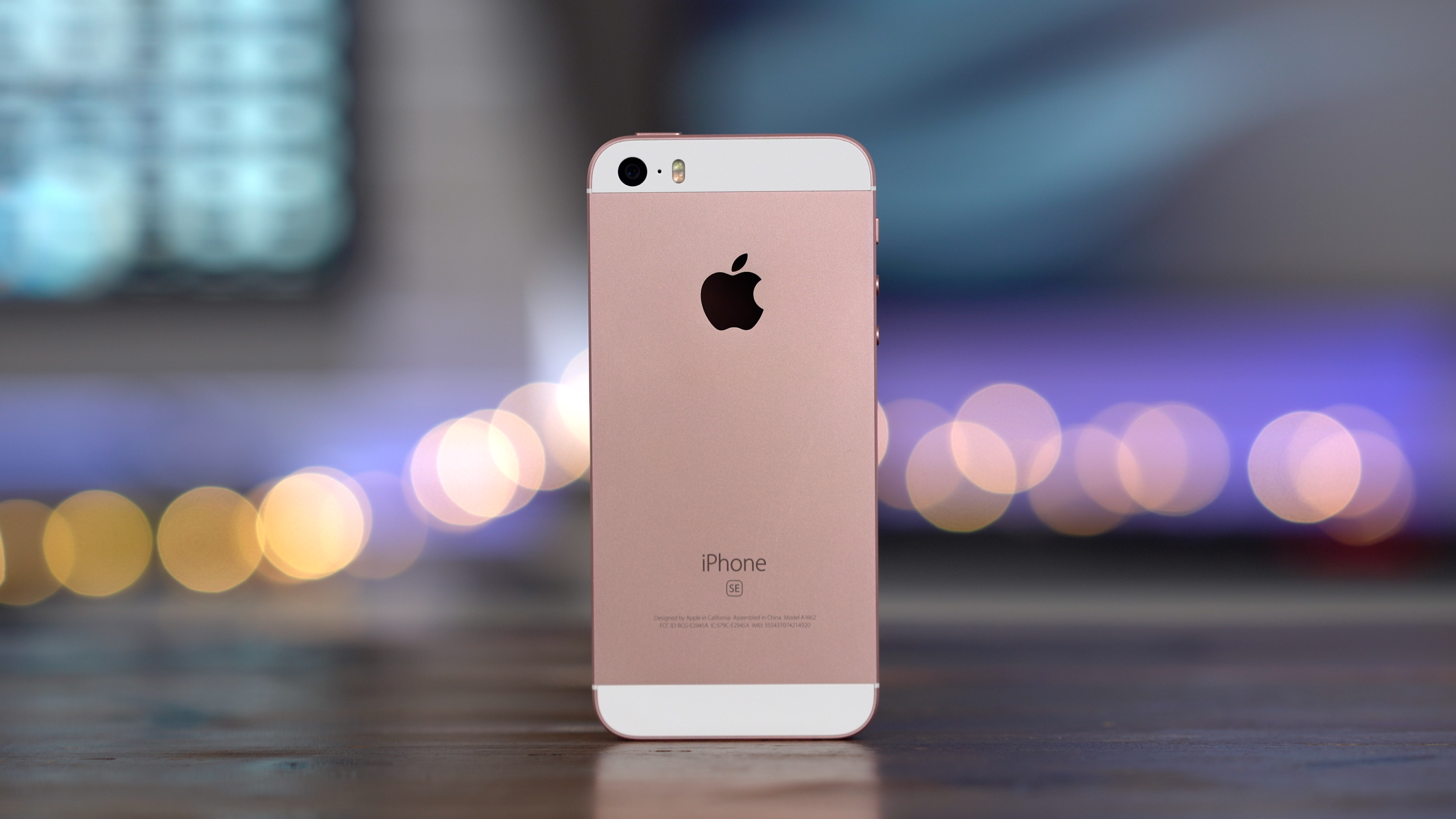 Revisiting the iPhone SE today: is it still a great phone in 2019 ...