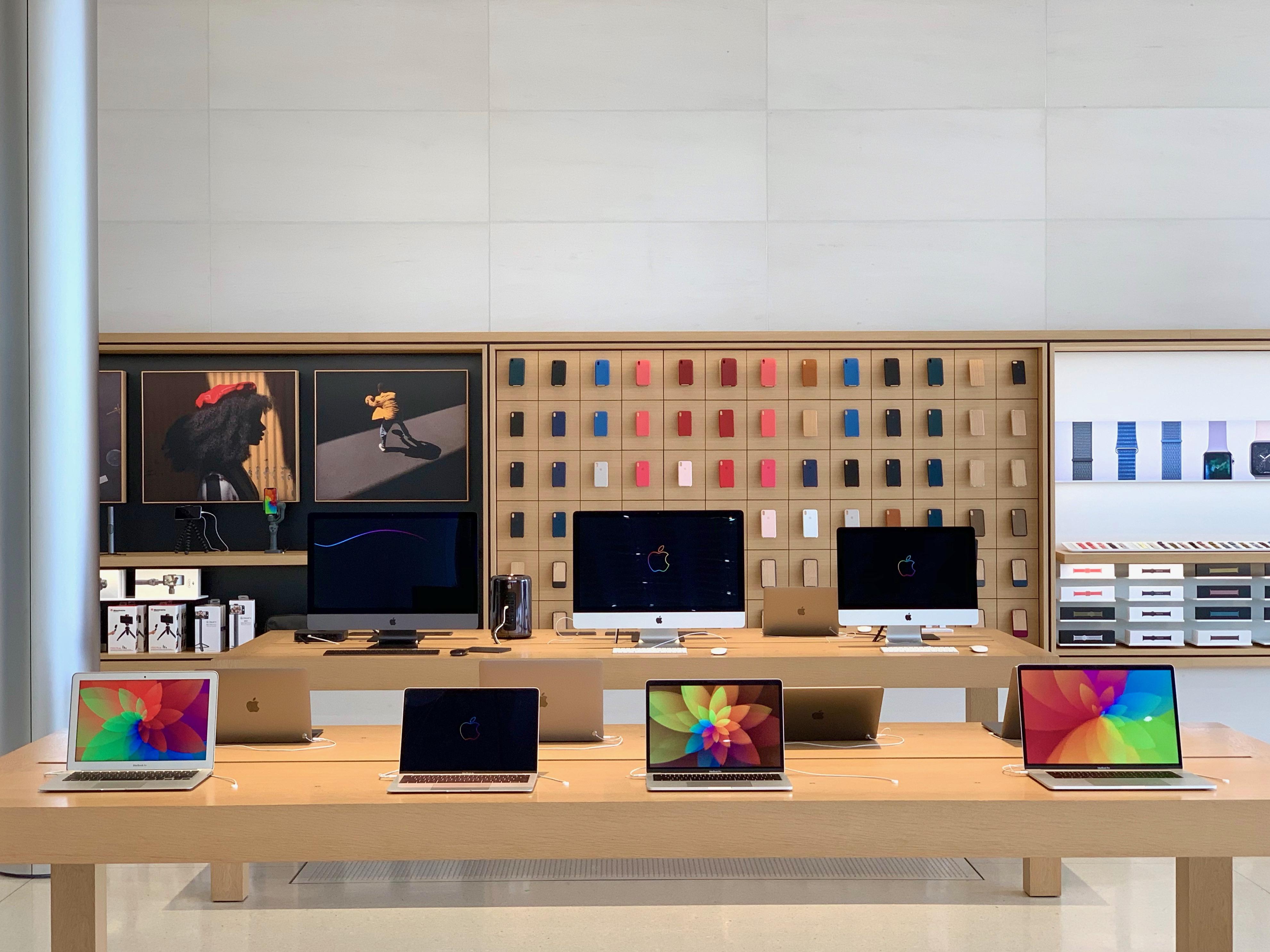 Apple Angela Ahrendts