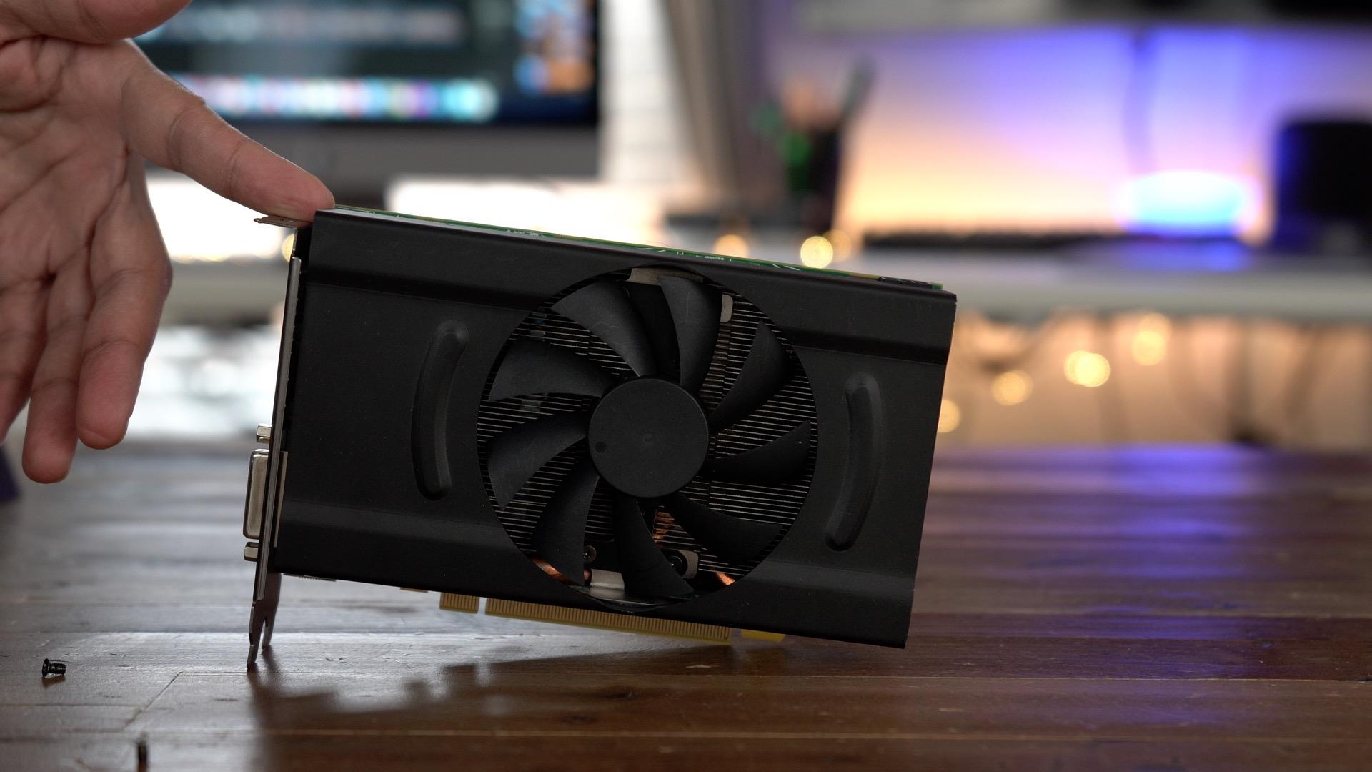 PowerColor Mini Pro eGPU RX 570 GPU out