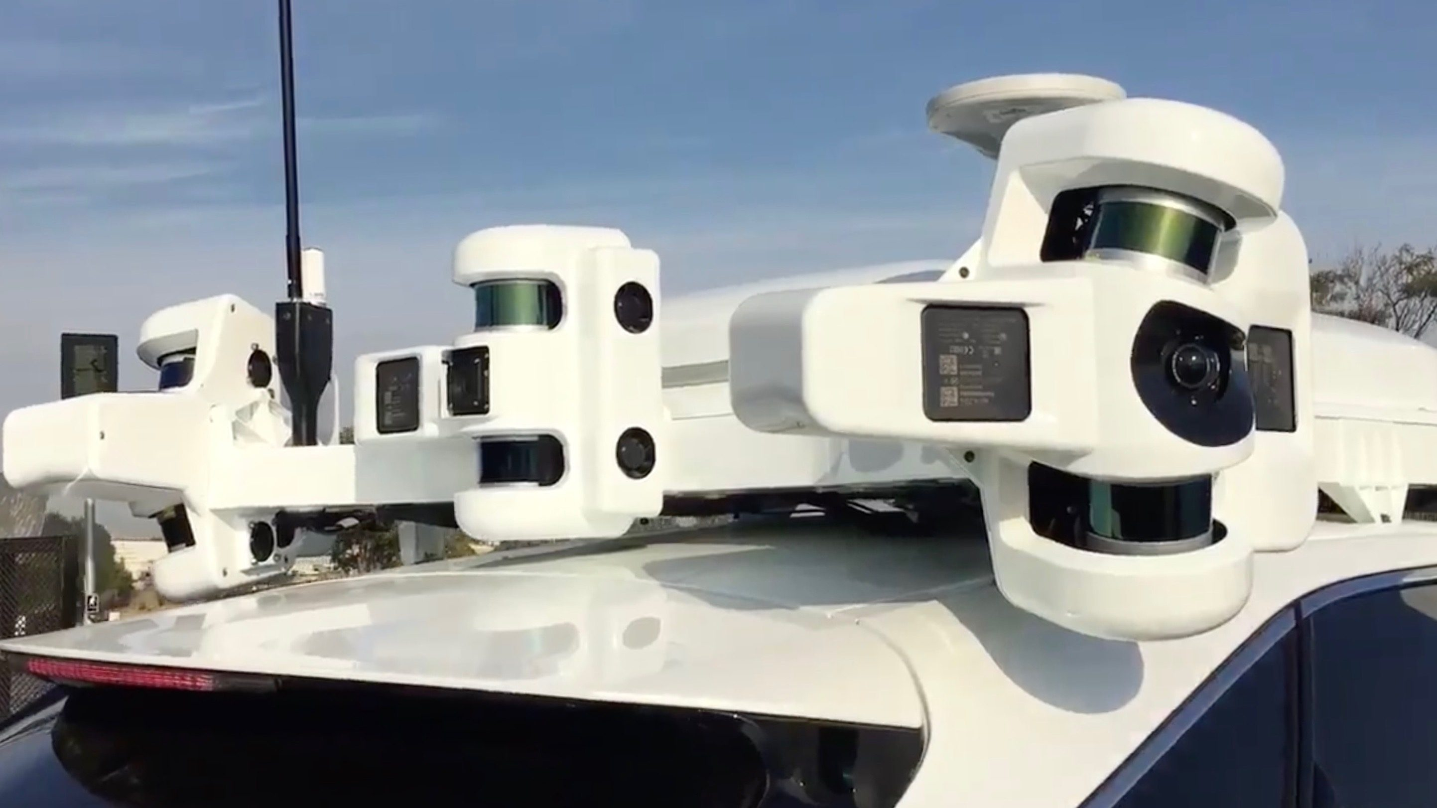 Apple reports first drop in the number of self-driving cars on the road in California