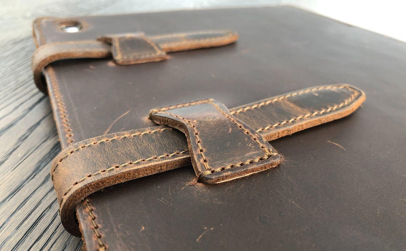 designer fashion 9070c 52668 Review: Saddleback Leather iPad Pro sleeve is chunky but protective ...