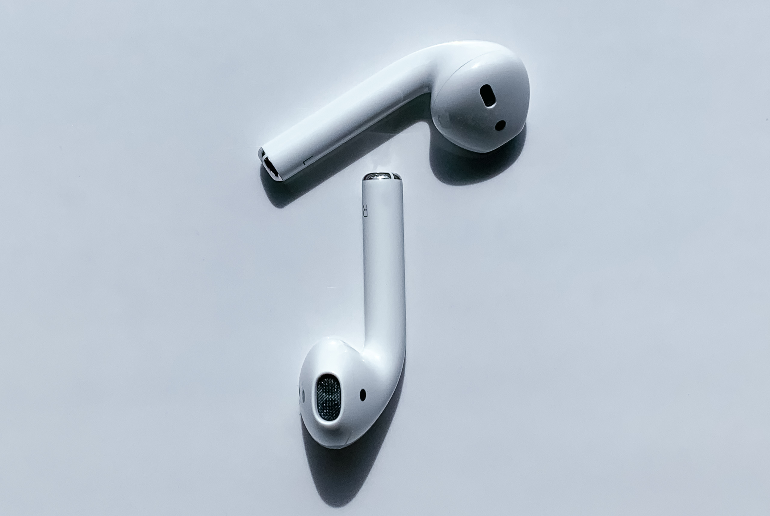 AirPods 2 Buds