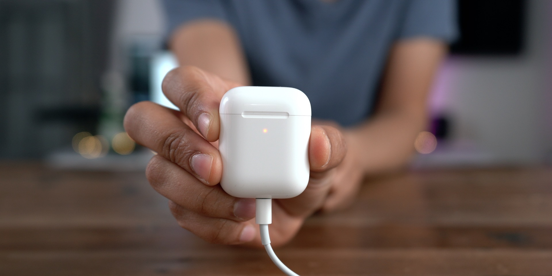 AirPods 2 Wired Charging