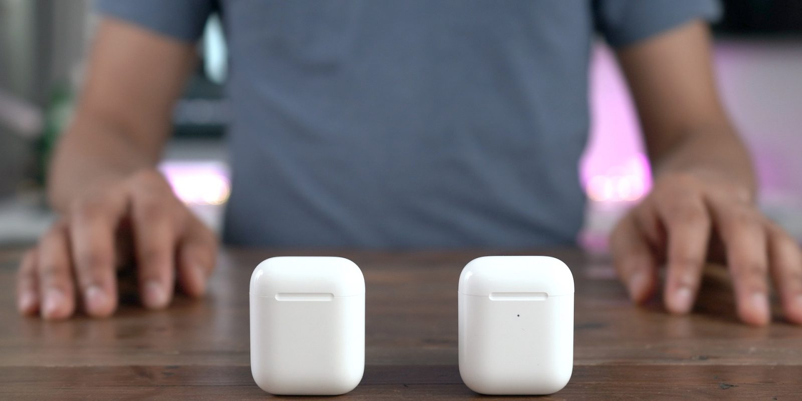 a27a2b65439 Techmeme: Kuo: Apple will launch two new AirPods models in the Q4 2019 - Q1  2020 timeframe, one an iterative update, the other with a new design and  higher ...