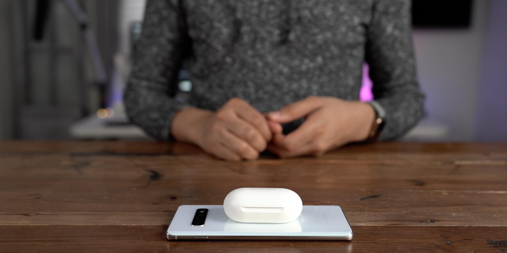 Galaxy S10+ vs iPhone Wireless PowerShare