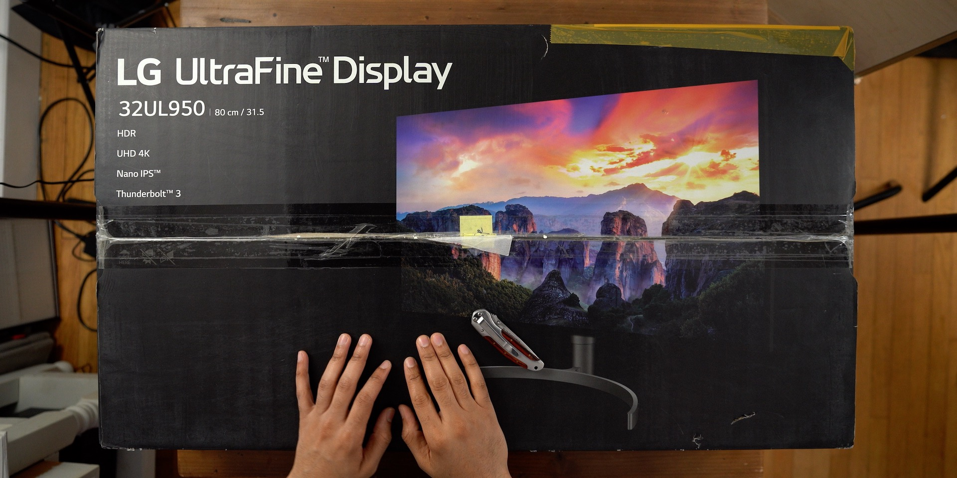 LG 32UL950 UltraFine 4K Display Review Unboxing