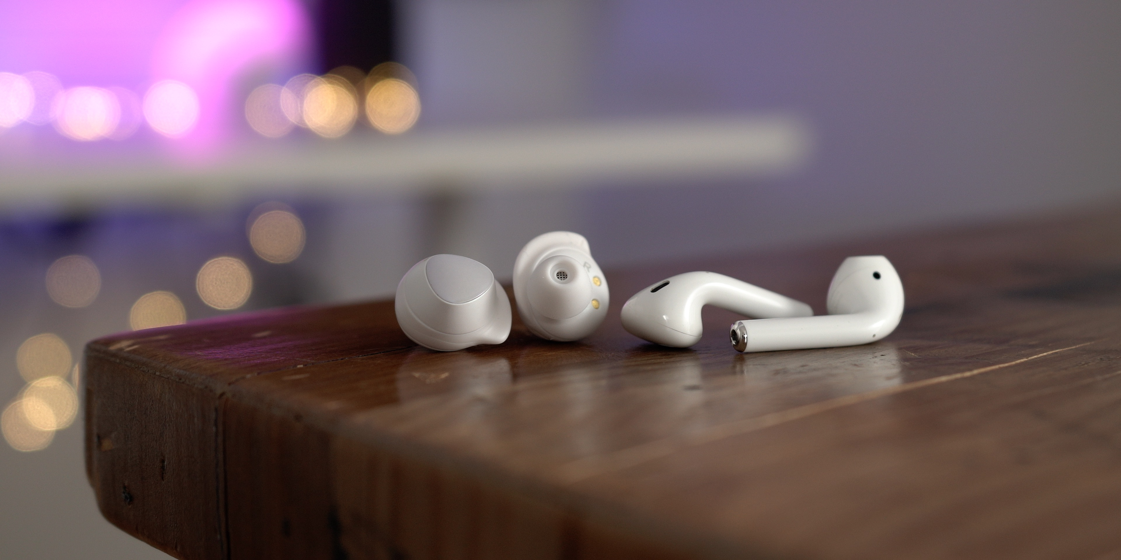 Samsung Galaxy Buds vs AirPods