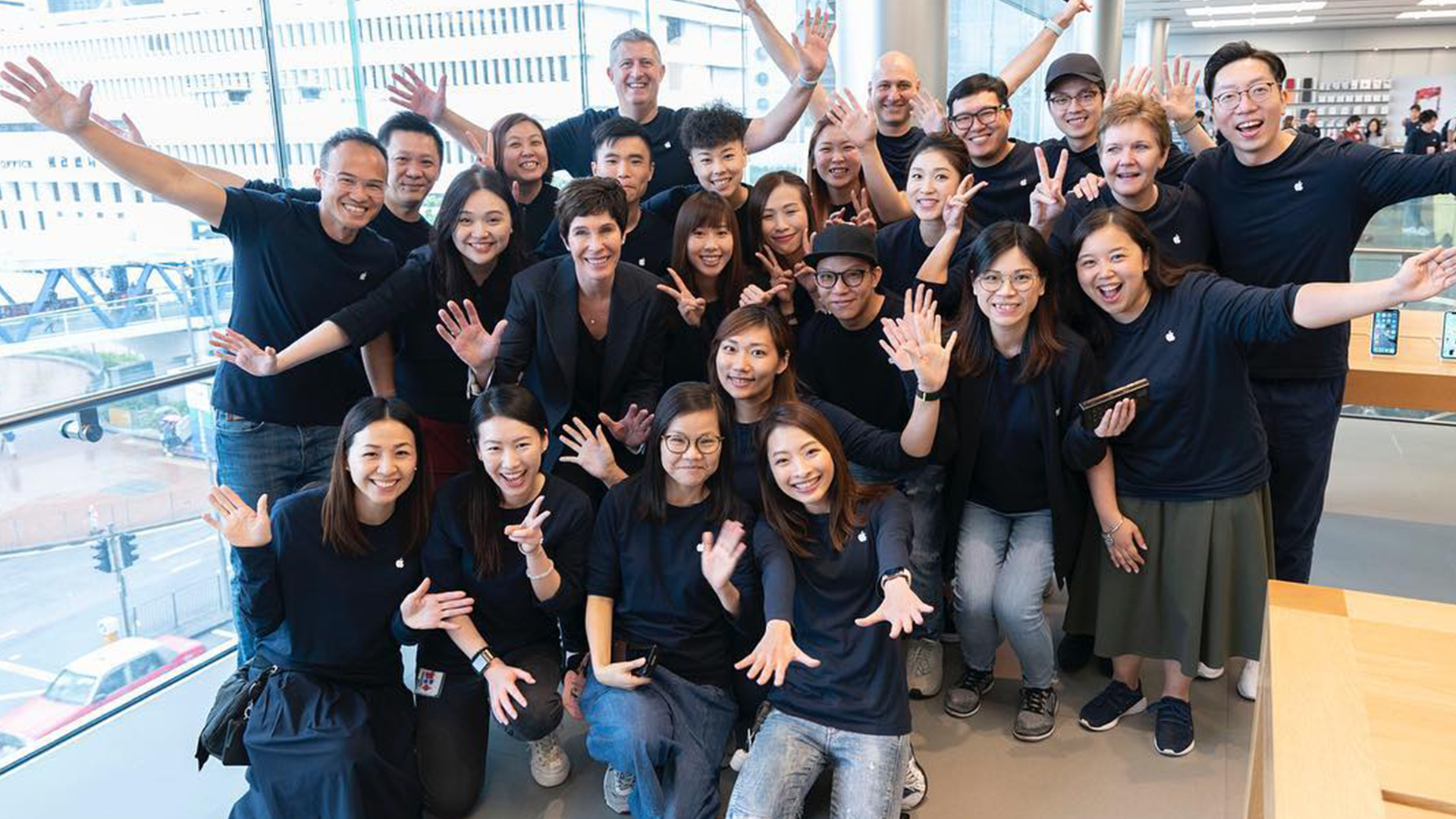 Deirdre O'Brien joins Instagram to share photos from global Apple Store tour
