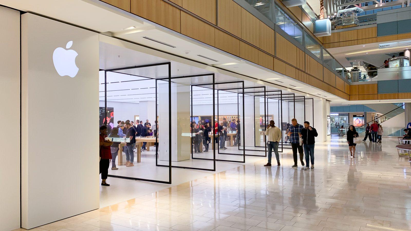 79b928b1a0920c Photos: Galleria Dallas Apple Store celebrates grand opening · Michael  Steeber