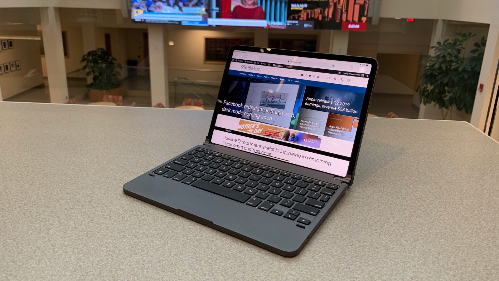 c8d056f5bf1 Hands-on: How the Brydge Keyboard for the 2018 iPad Pro compares to Apple's  Smart Keyboard Folio