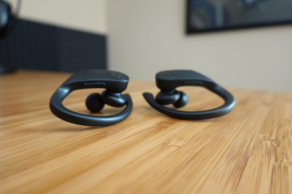 Hands-on and first impressions with Beats Powerbeats Pro totally wireless earphones