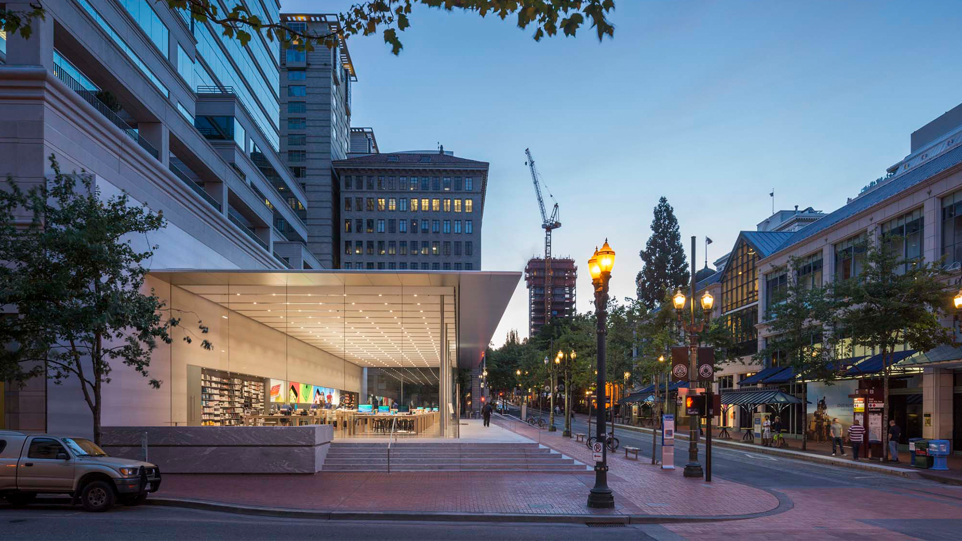 Portland Apple Store reopening May 31st with new video wall