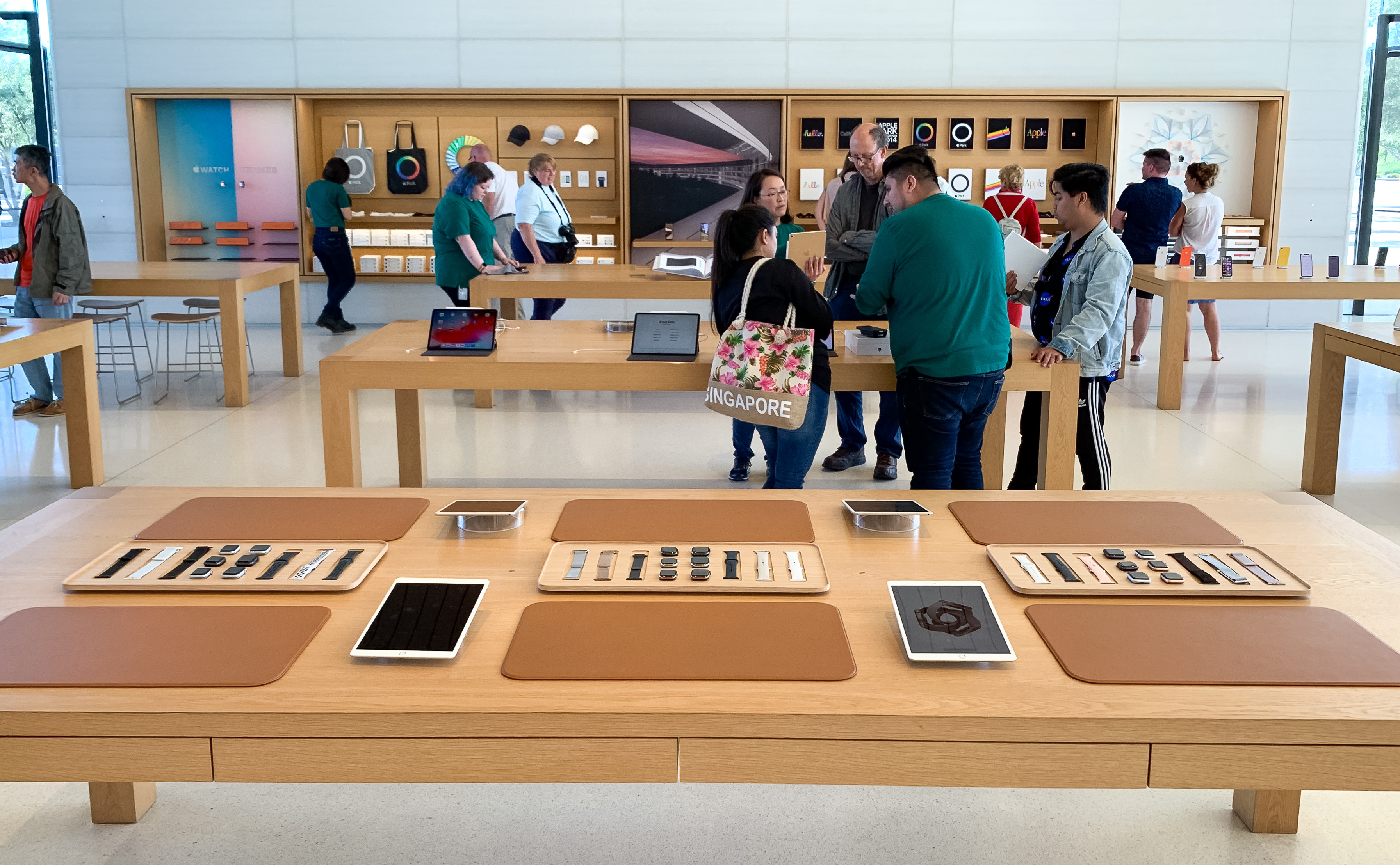 Apple Watch Band Display Table