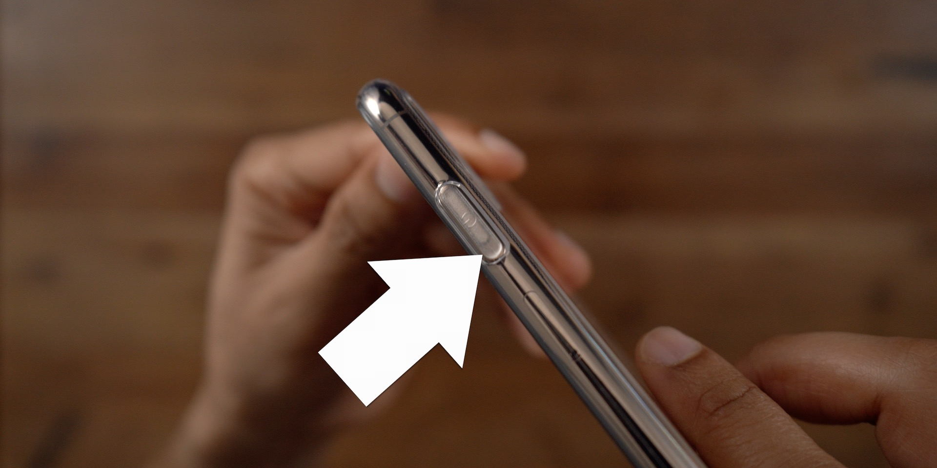 iPhone 11 Max Side button alignment