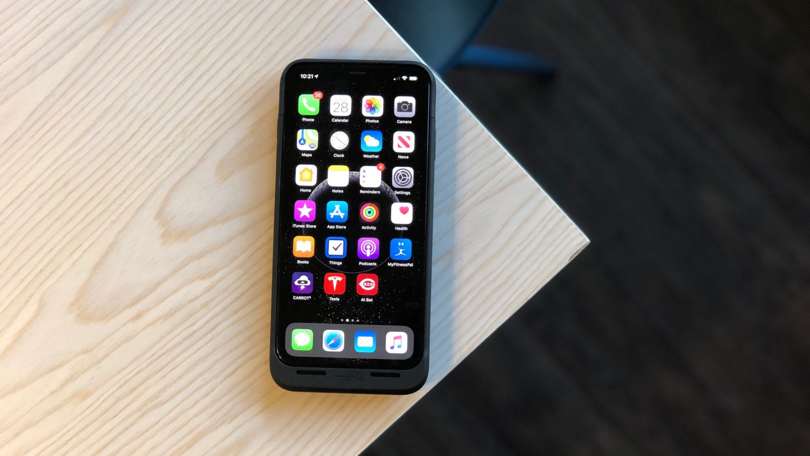 best service 883bb c50fe Hands-on: The best iPhone battery cases for XS/XR/XS Max - 9to5Mac