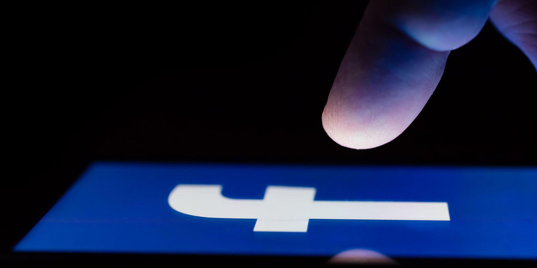 Facebook Dark Mode im Test, nachdem es früher in diesem Jahr versprochen wurde