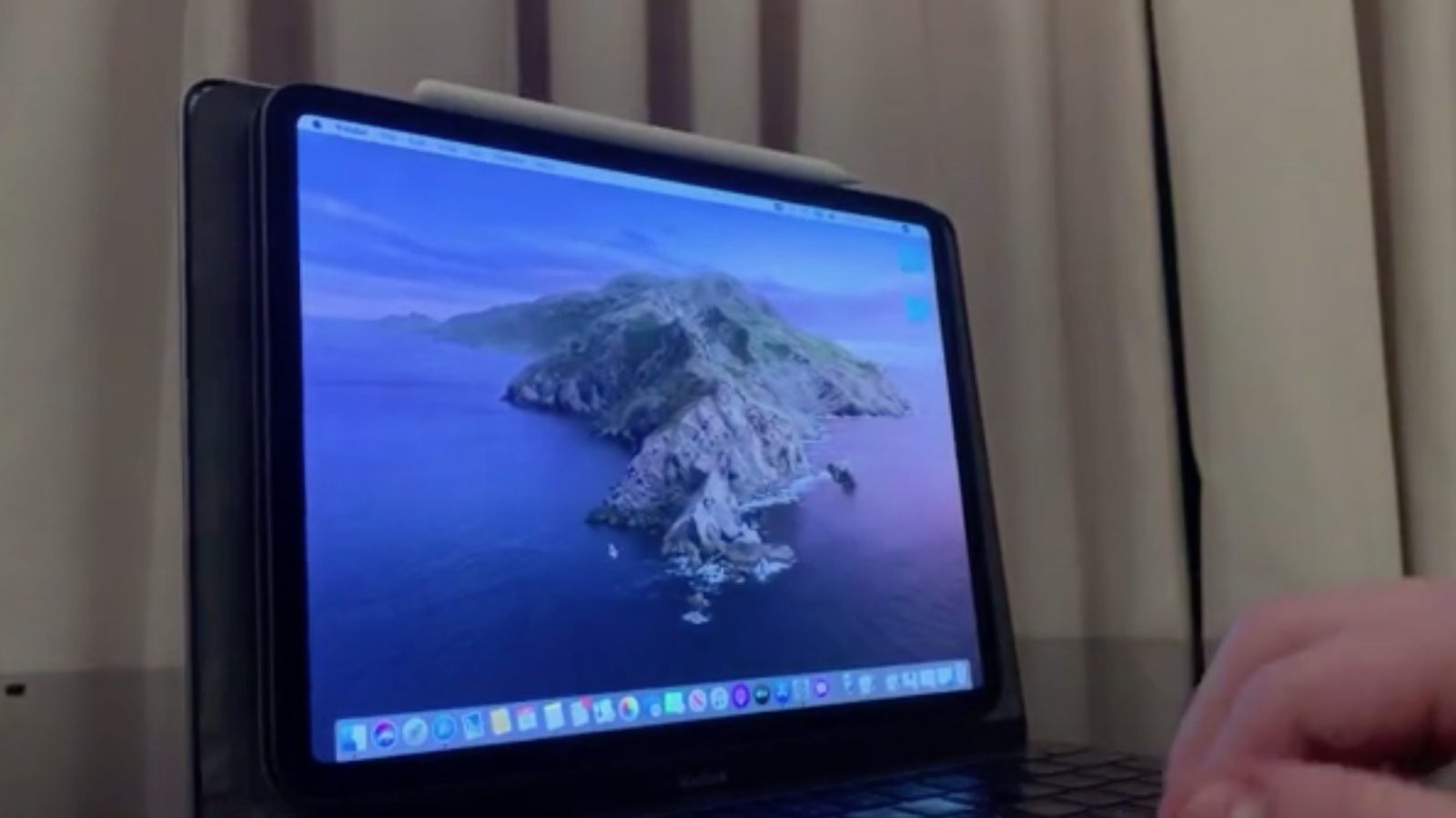 Redditor turns busted MacBook Pro into a clever Mac + iPad hybrid using Sidecar
