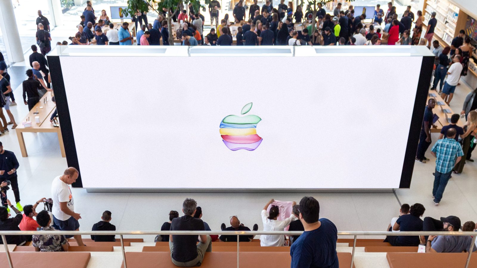 Apple Stores offer September 10 keynote livestreams