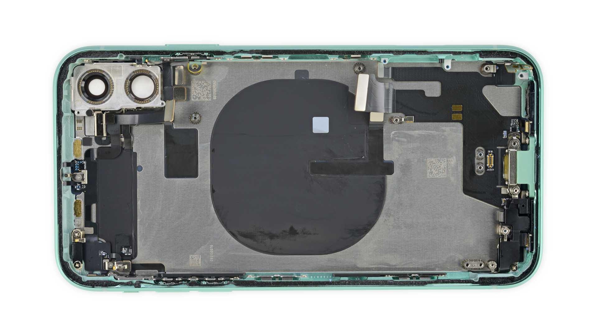 iPhone 11 teardown Qi coil