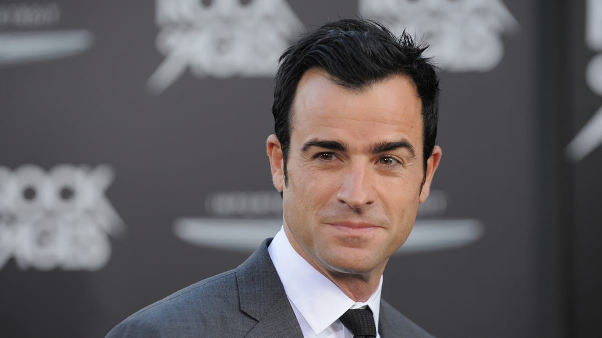 Apple orders TV series starring Justin Theroux based on novel 'The Mosquito Coast'