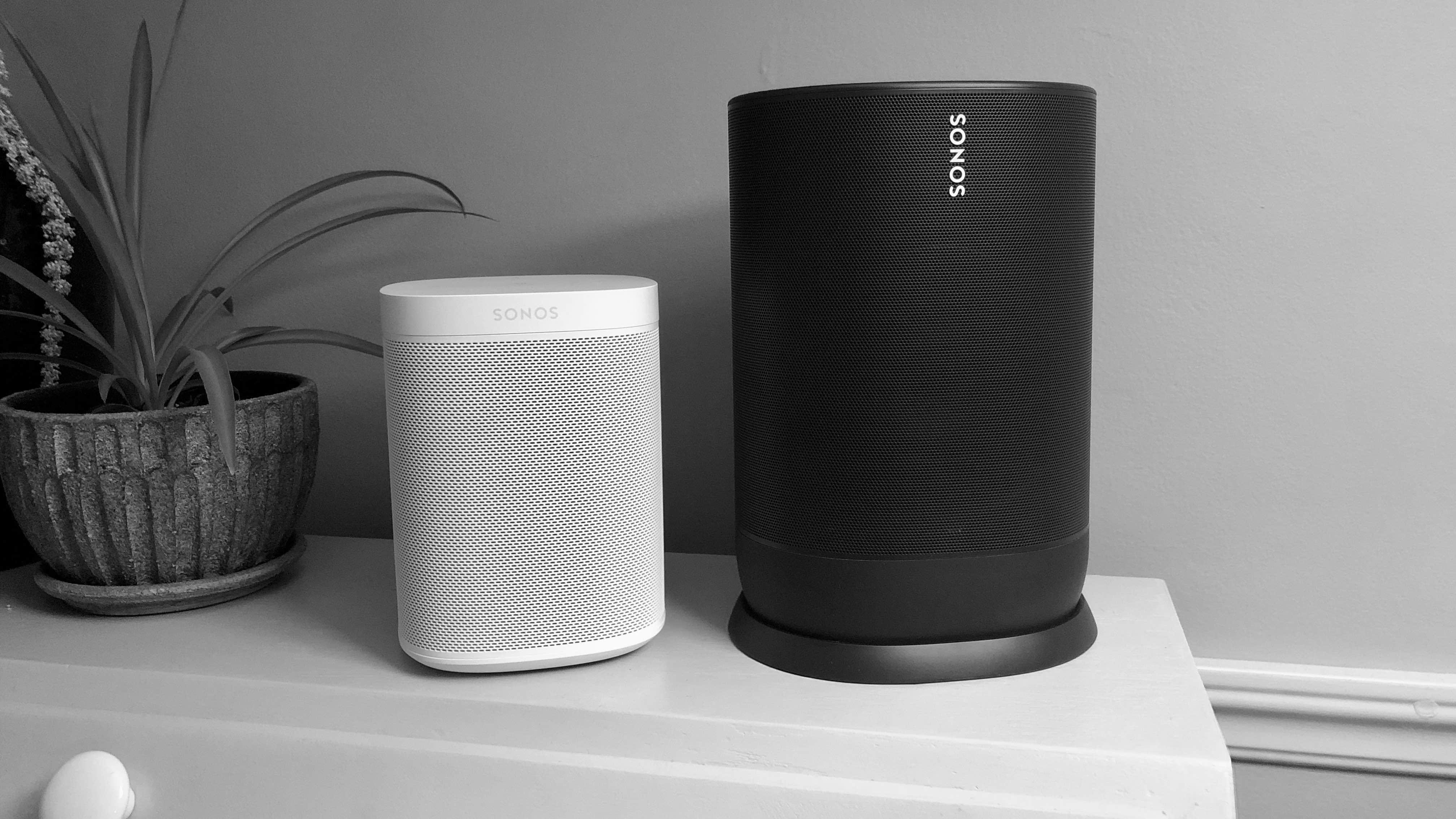 Sonos Move and Sonos One comparison