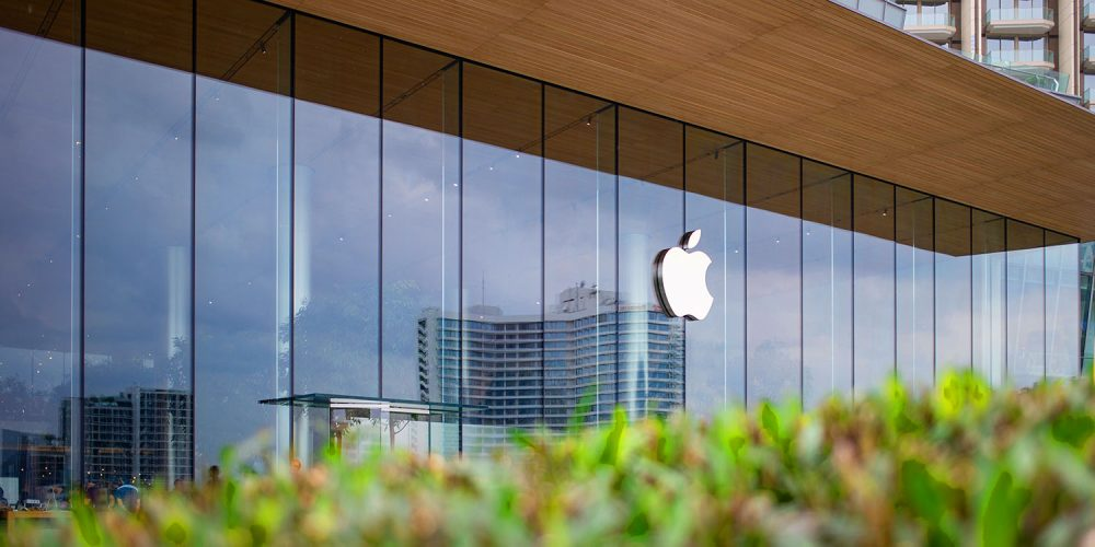 What Are The Q4 Earnings Report Of Apple (AAPL)?