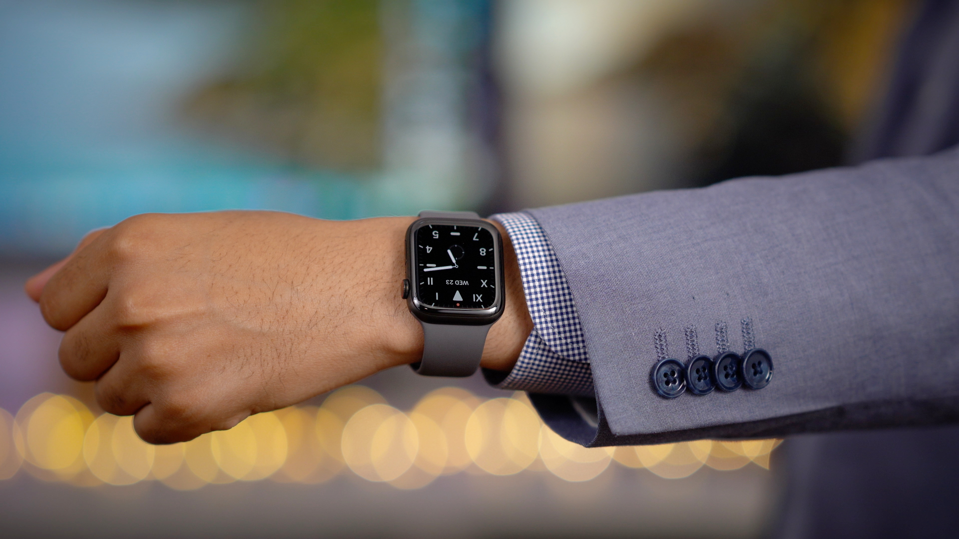 Review: Apple Watch Series 5 always-on display is a big improvement, but it comes at a cost [Video]
