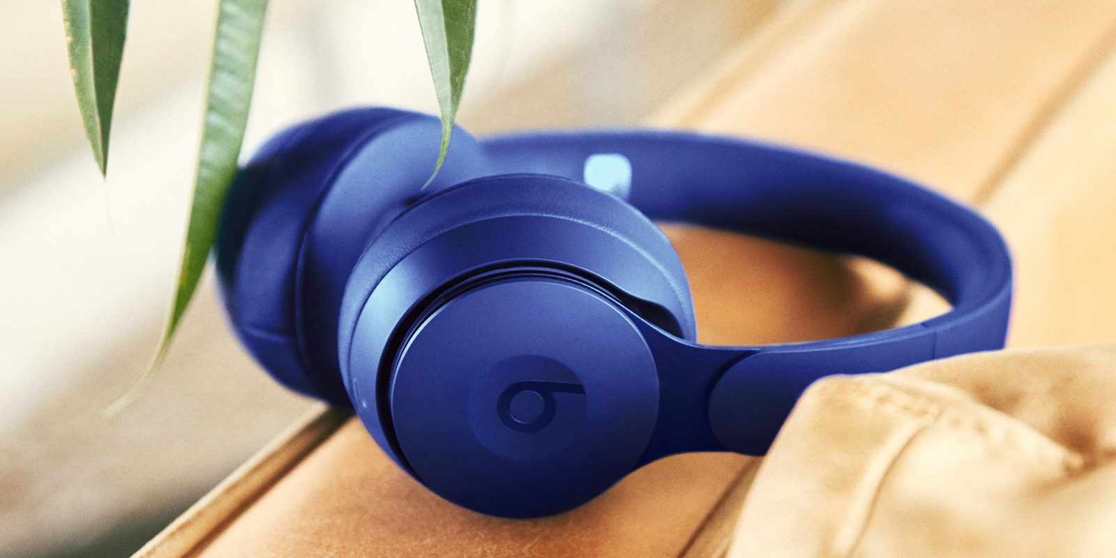 Beats Solo Pro Debut With Pure Anc Transparency Fold To Power And Apple H1 Chip Pre Order For 299 9to5mac