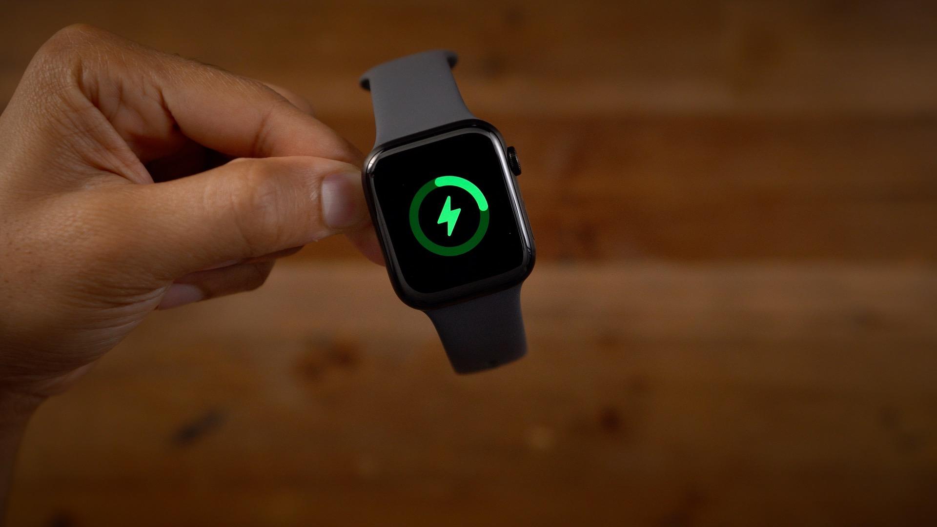 Сравнение Apple Watch Series 7 - время автономной работы и зарядка