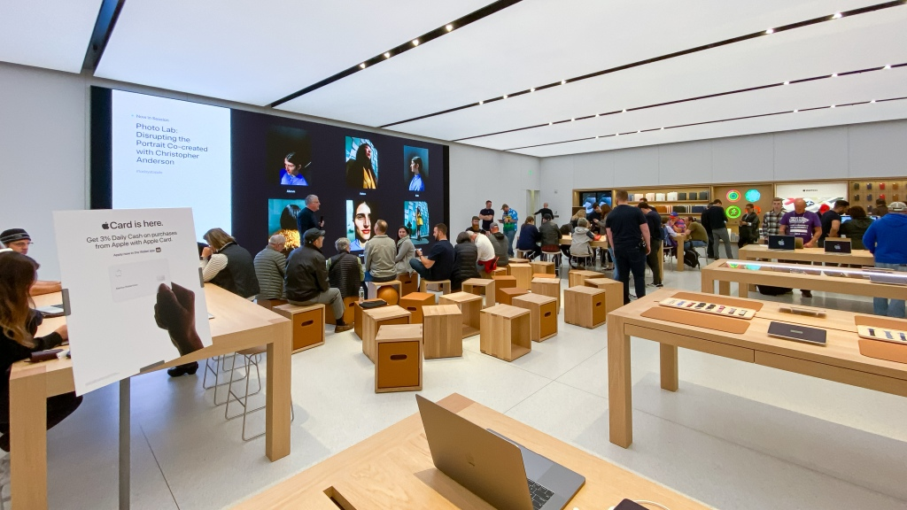 Apple Stores: New Maine Mall location opens; sessions with The Big Draw continue through October