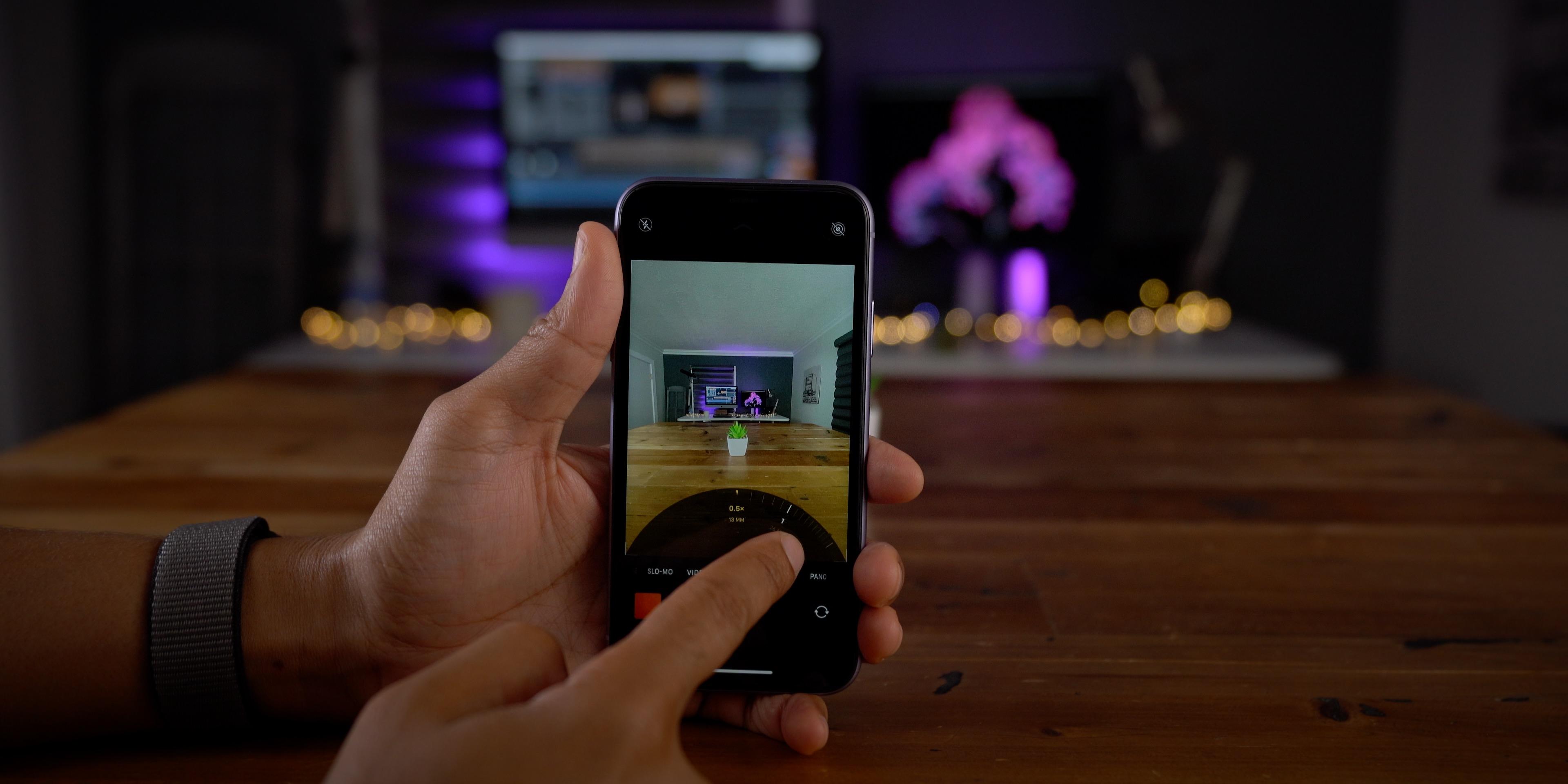 New stock Camera app zooming