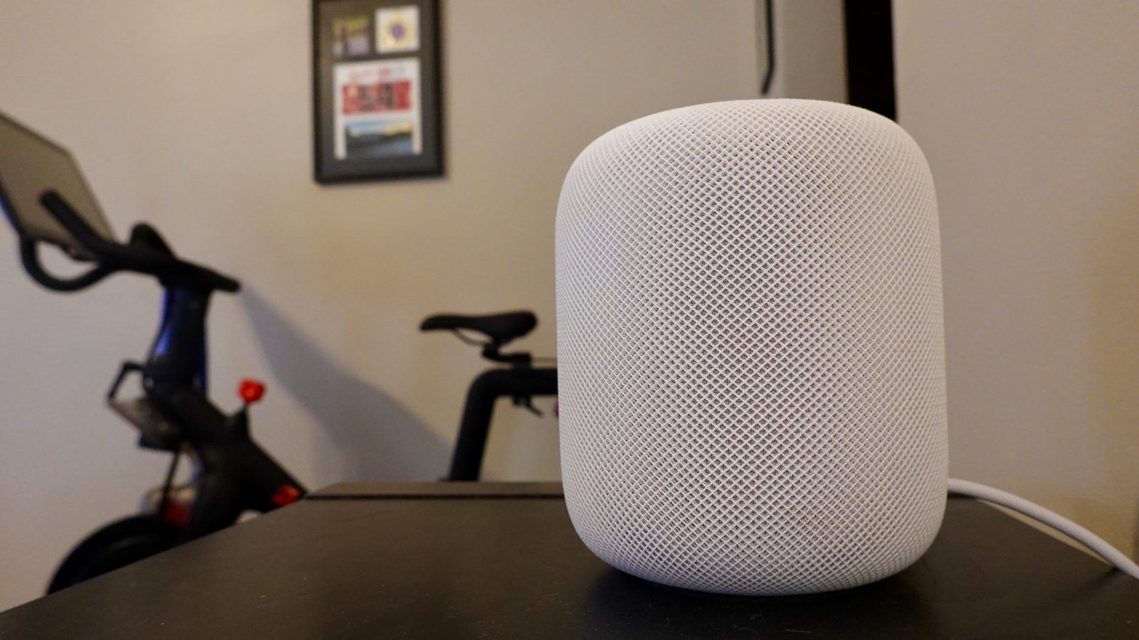 HomePod for $200? New features and holiday promotions make a competitive AirPlay 2 speaker