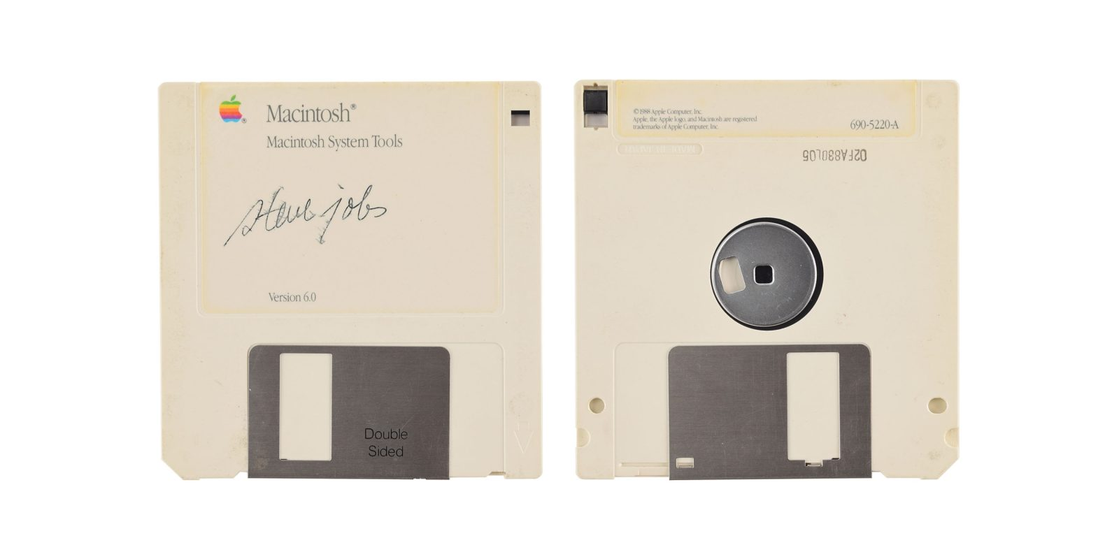 Signed Steve Jobs Macintosh floppy disk up for auction — the perfect $7500 stocking stuffer
