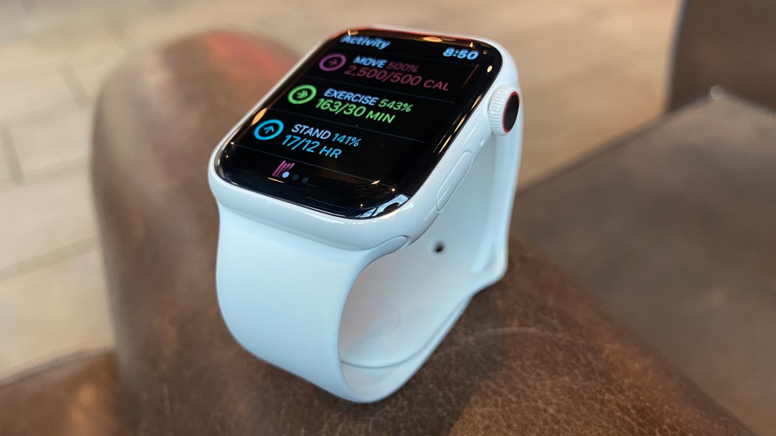 Can the Apple Watch Series 5 survive a half marathon with always-on display? Plan ahead