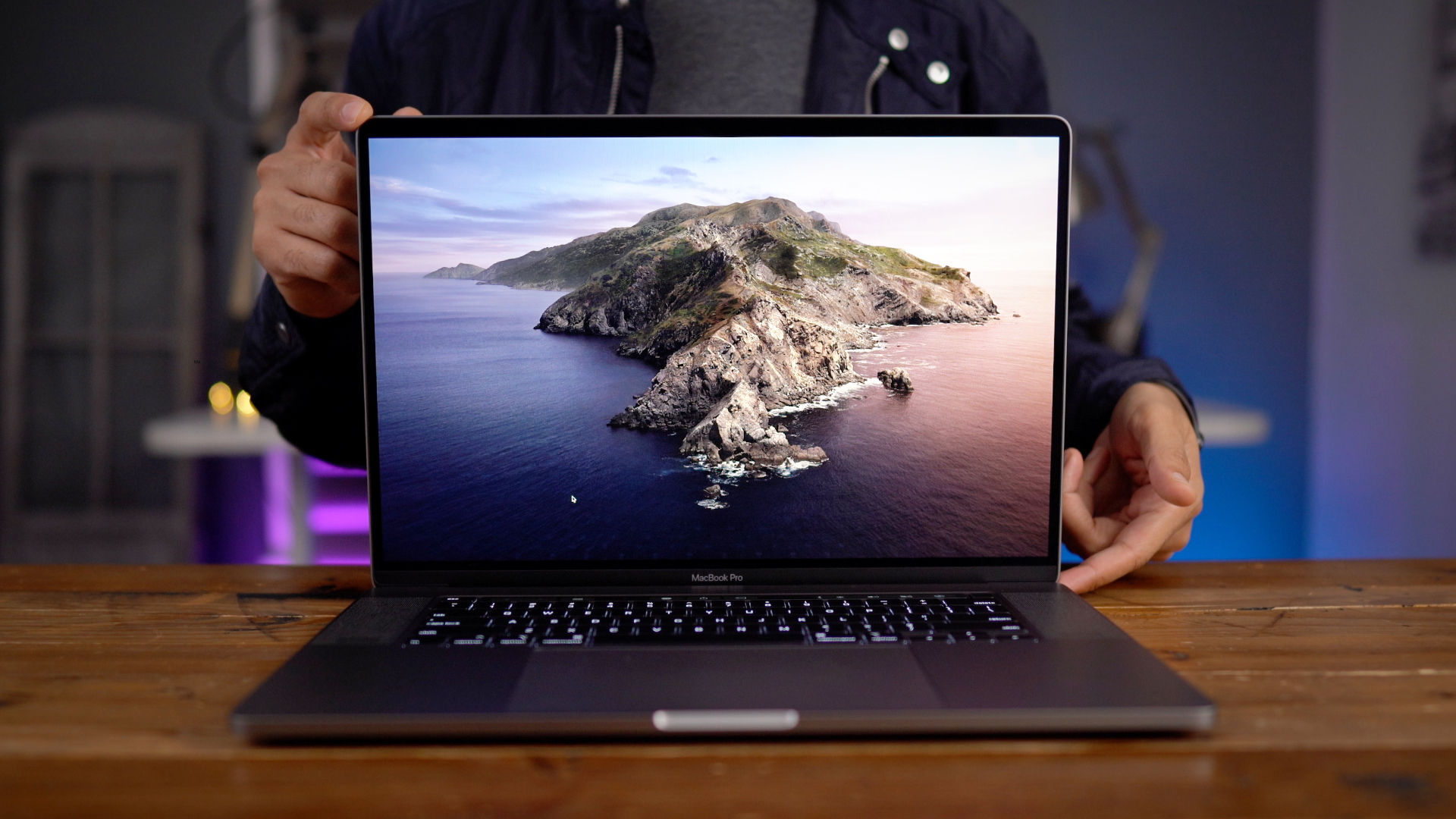macbook pro review  great keyboard    start video