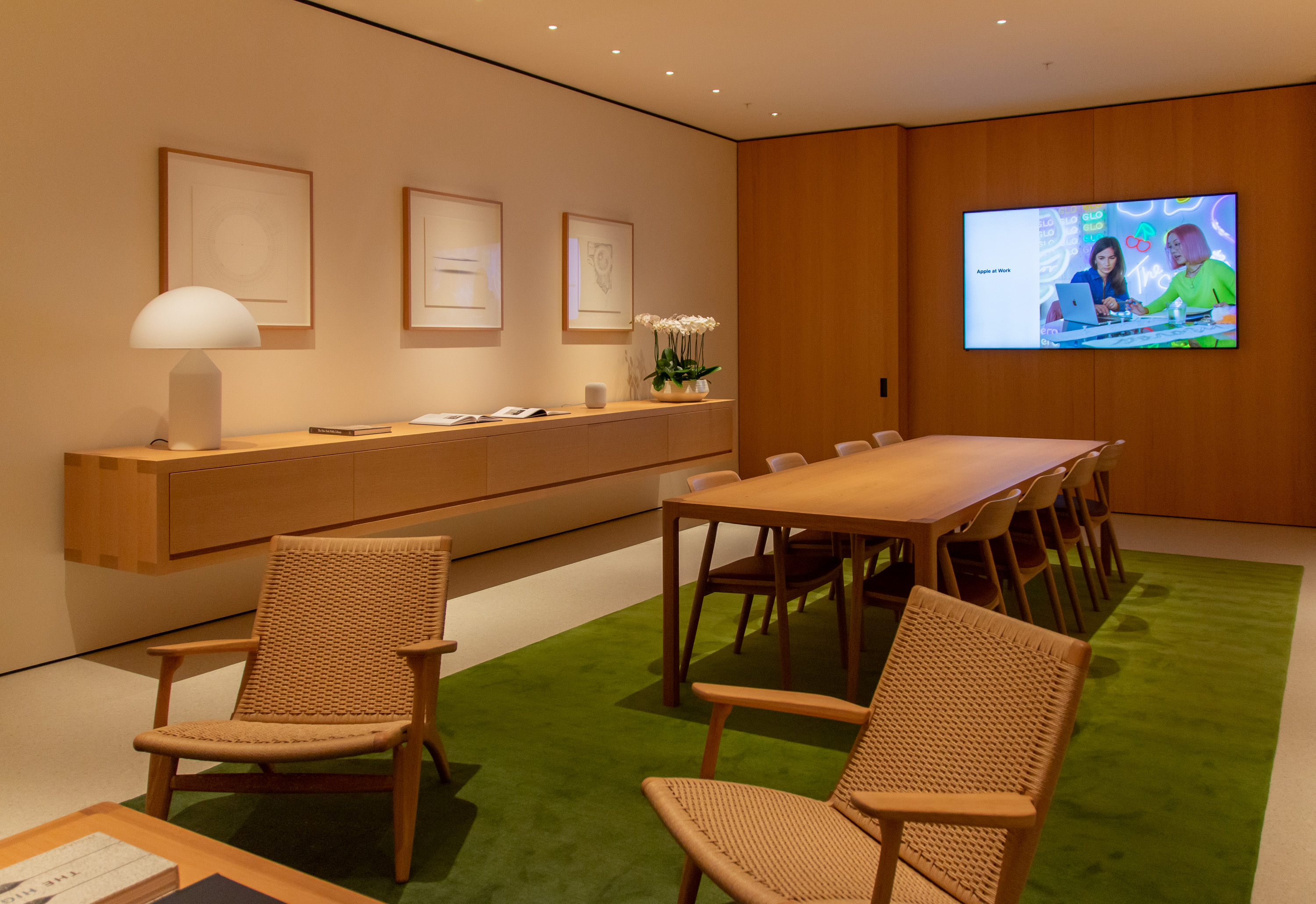 Apple Fifth Avenue Boardroom