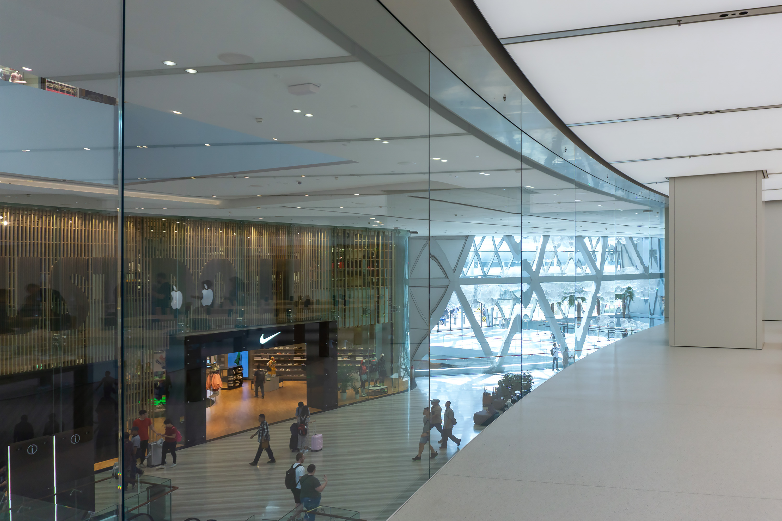 Apple Jewel Changi Airport Curved Glass