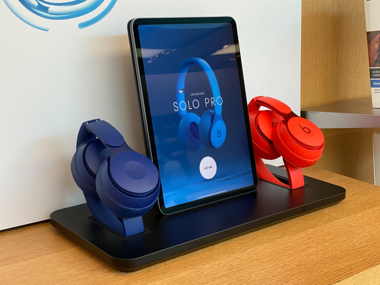Beats Solo Pro display dock