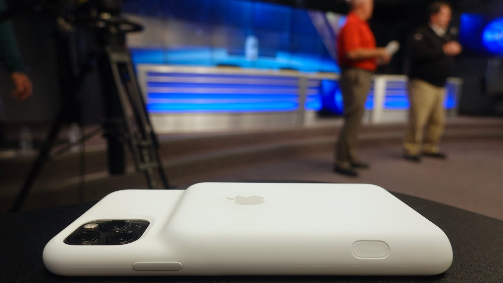 Iphone 11 Pro Max Smart Battery Case Enhances The Camera But The Battery May Not Be Necessary 9to5mac