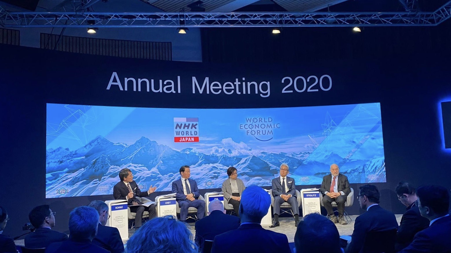 Apple blasted by Nobel laureate economist Joseph Stiglitz in Davos for failing to pay taxes