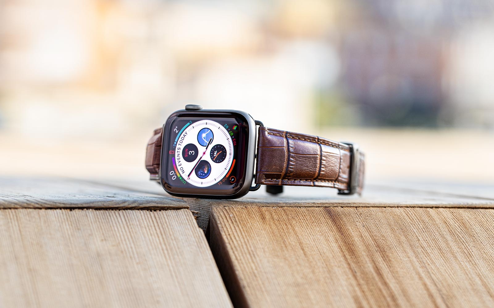 9to5Rewards: Apple Watch Series 5 giveaway + 15% off Longvadon luxury Watch straps